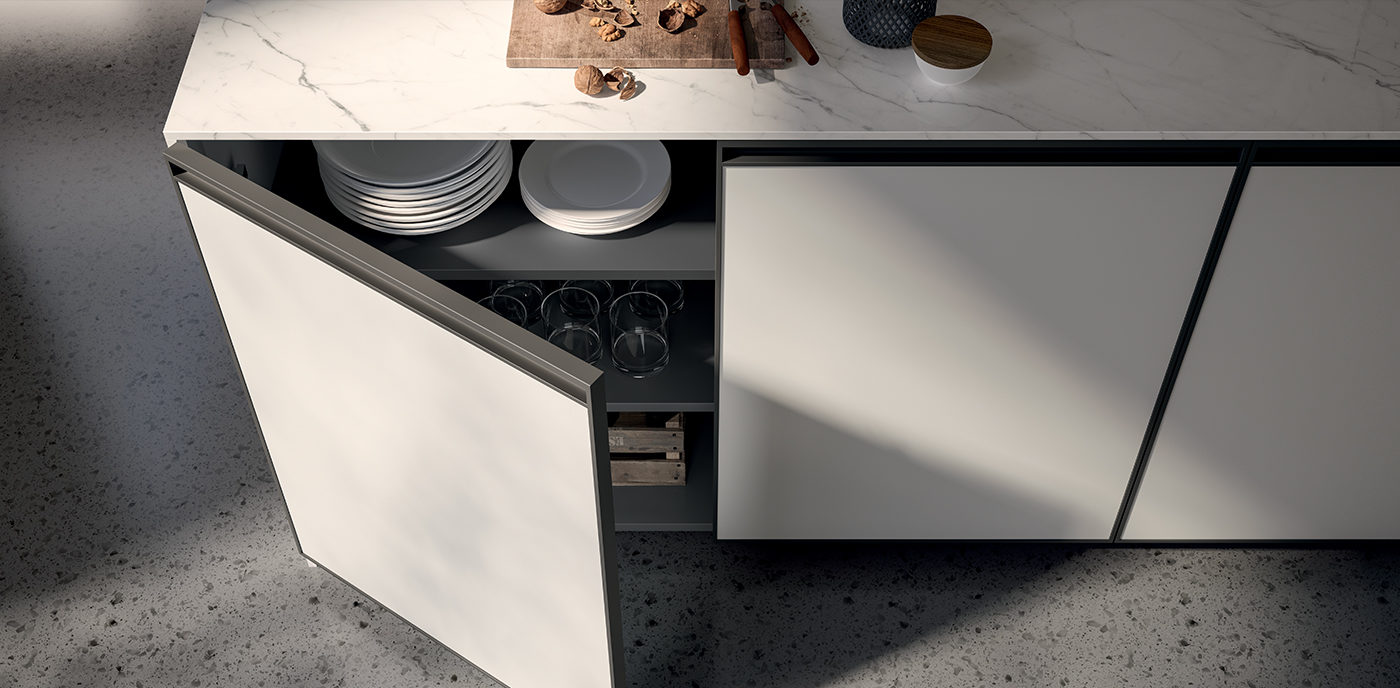 An integrated handle for a trendy style: our Kronos collection